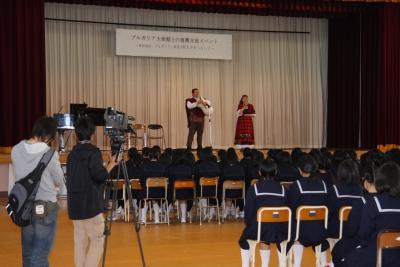 東松島の鳴瀬第一中学校で行なわれたミニコンサート