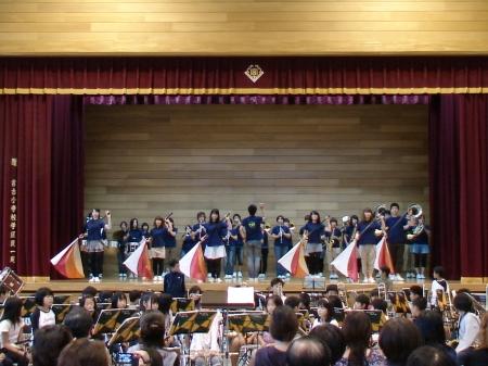 宮古小学校で開催した復興支援コンサート